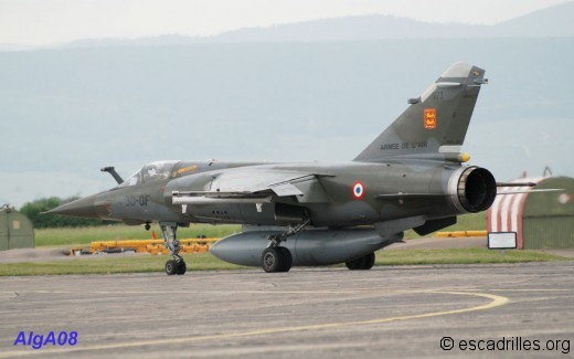 Mirage F-1 CT en configuration typique d'assaut