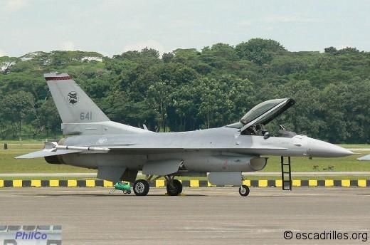 F-16C sn 641 du 140 Sqn de Tengah