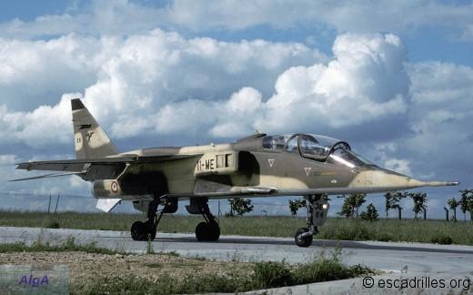 Jaguar E du 2/11 vu sur la BA-136 en 1988