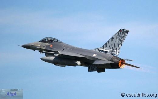 F16 2011 301