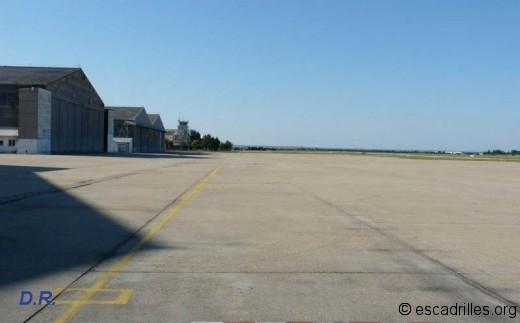 Parkings avions vides