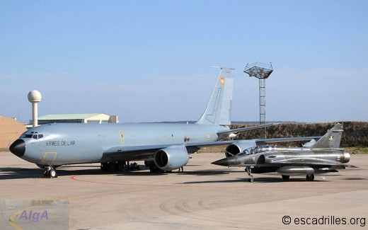 Boeing et 2000N à Istres