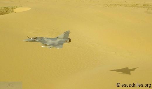 Un 2000 du 2/5 au-dessus du désert en 1992