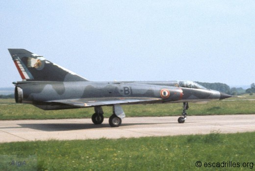 Mirage IIIE du La Fayette au roulage à Frescaty en 1973
