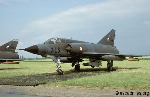Mirage IIIE de l'Alsace portant les marques du 1/2 (Dijon, 07/84)