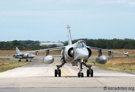 Deux F-1M de l'Ala 14 en 2008 à Landi