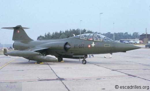 TF-104G 1977 RT-657