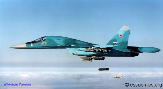 Sukhoi 34 47 bleu