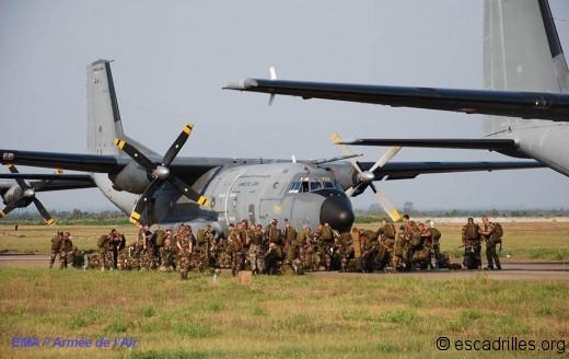 C-160 et parachutistes