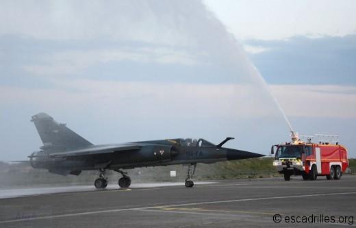 Le (dernier) lâcher F-1CR est salué comme il se doit par la Sécurité Incendie