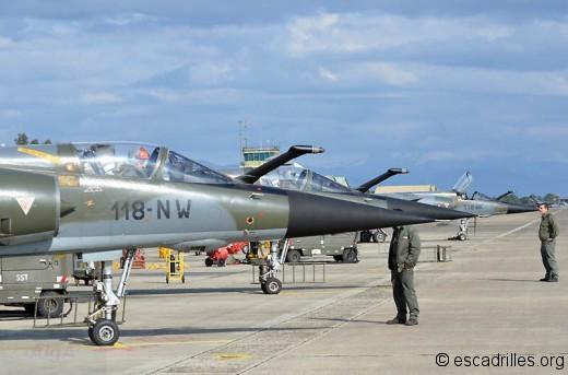 Avions parés, les pilotes attendent l'aurotorisation du contrôle d'aérodrome