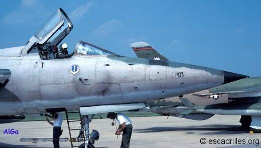 F105B_1980_ pilote_3