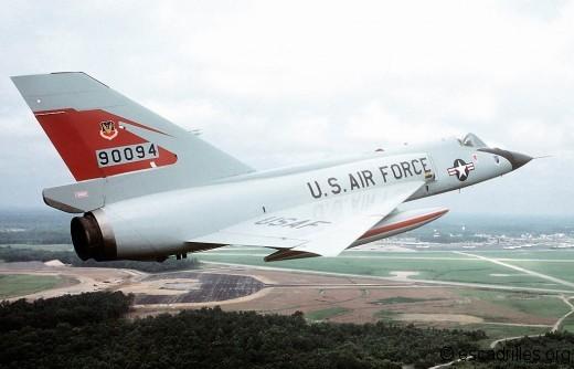Opérationnel dès 1960, le F-106 tient sa place en première ligne jusqu'en 85