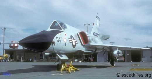 La soute ouverte de ce Six nous montre un AiM-4 Falcon d'exercice