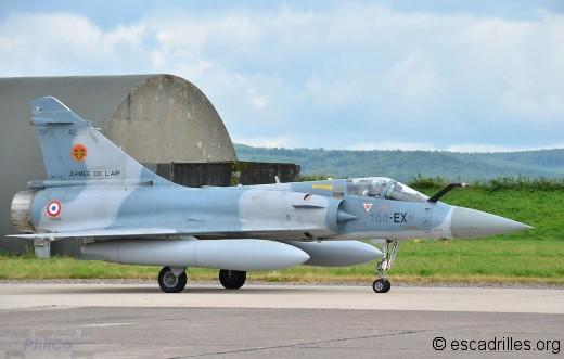 Second avion de la patrouille relevée, le n°40
