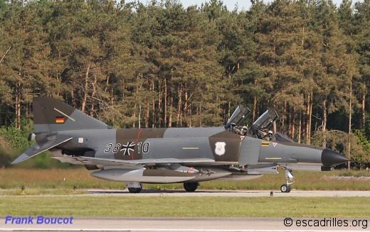 F-4F camouflé première mode et arrière plan boisé: toute une atmosphère