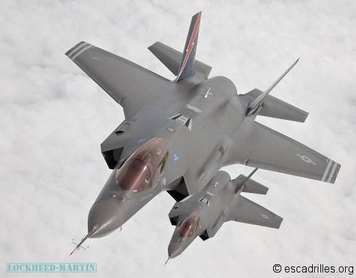 Deux F-35A vus par un ravitailleur