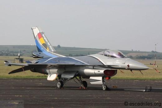 Le F-16 belge qui nous fait une belle démo