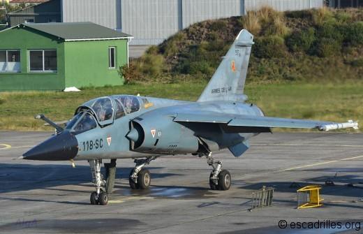 Deux F-1B sont présents car toute l'activité du 2/33 est délocalisée