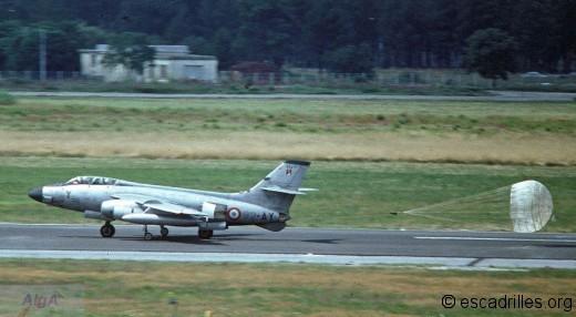 Un des 6 Vautour IIN à l'atterrissage