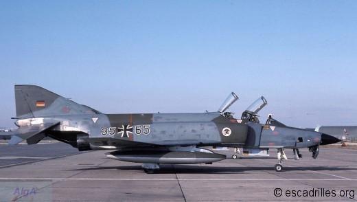 RF-4 1980 35+65 AKG 52