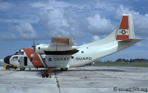 Un C-123B des Coast Guard