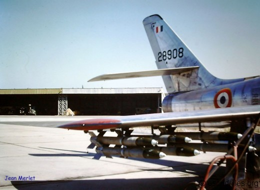F-84F armé de roquettes US, en 1960