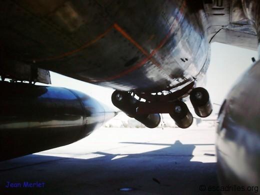 Sur le F-84F, on utilisait régulièrement un pack de JATO pour les config lourdes !