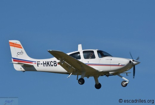 Cirrus SR-20 Salon