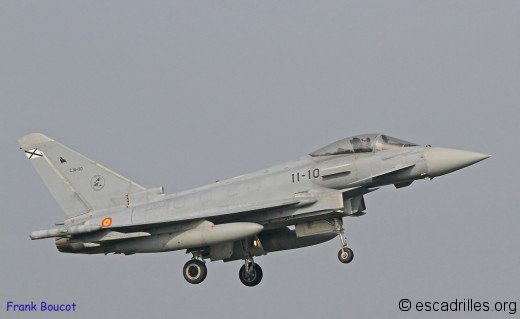 Typhoon_2014_11-10_fb