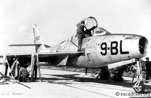 F84F 1964 9-BL JCG