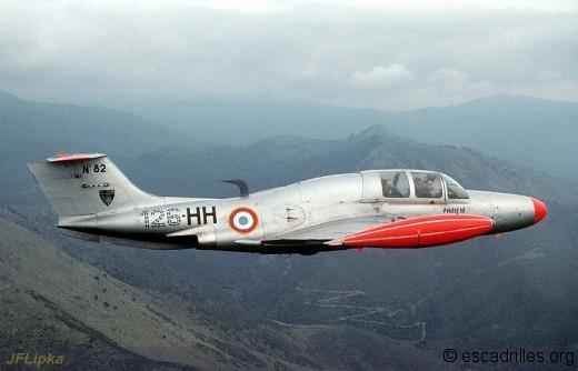 « 126-HH » n°82 de la BA126. Les appareils de Solenzara furent les seuls à porter un insigne de Base