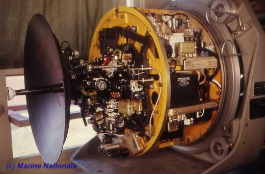 Crusader_antenne-radar_marine