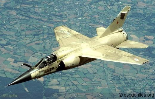 """Vétérans de l'Irak, les F-1CR du 3/33 Moselle seront parmi les premiers à être """"restructurés"""""""