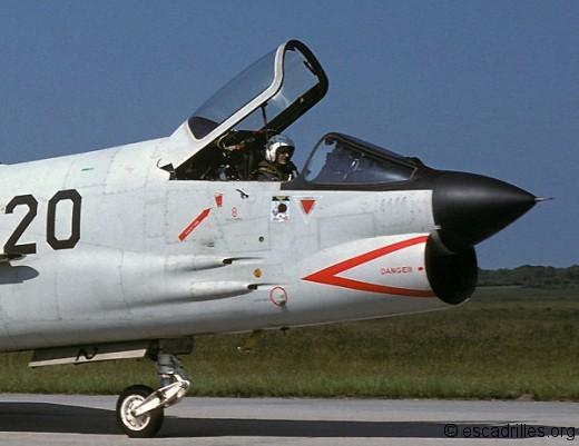 Crouze_1979_20_pilote