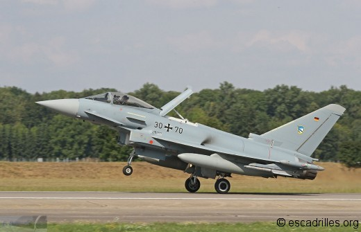 Typhoon_30+70-74_fb