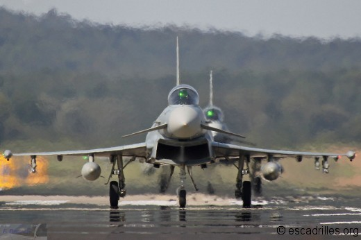 Typhoon_395m_fb