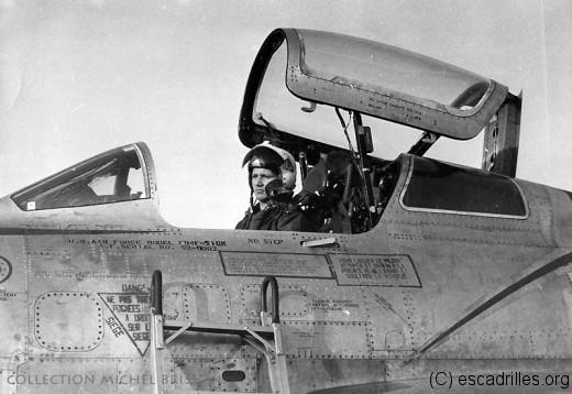 Michel Brisson, à bord d'un F-84F de type '51GK'