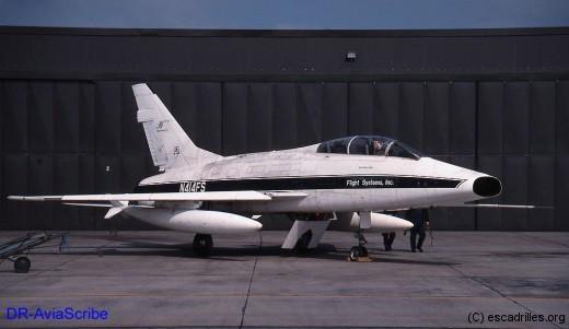 F100F_N414FS_2002_DR-AviaScribe