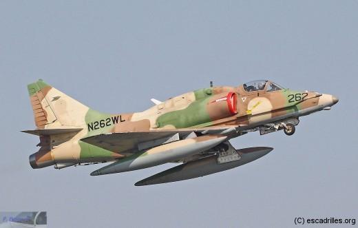 Skyhawk_016m_fb