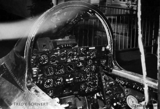 F84F_cockpit_fb-