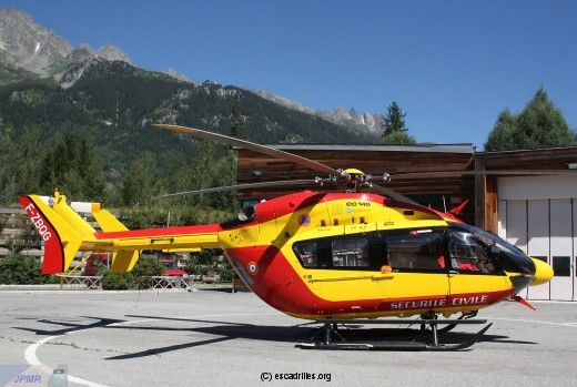 EC145 9217 F-ZBQG vu à Courchevel le 09.08.2012