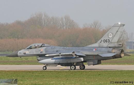 F16_J-063_fb