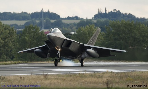 F22_landing_usaf