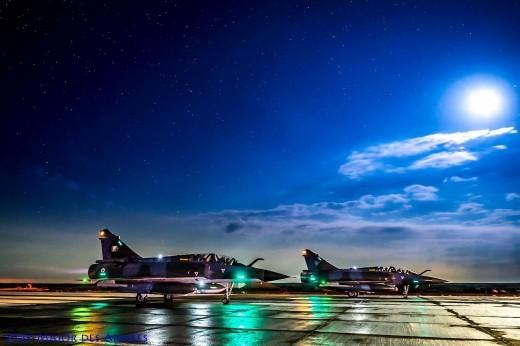 Décollage nocturne pour une patrouille mixte 2000N/2000D