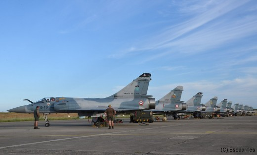 Tarmac plein et hangar vide: le bonheur des mécaniciens et des pilotes (ici le 2/5 à Zara en 2012)