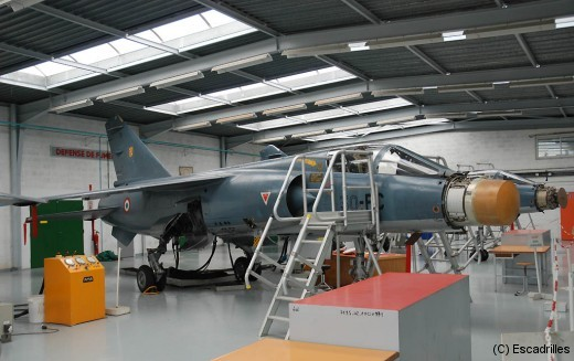 C'est à l'Ecole de Rochefort que sont formés la plupart des techniciens aéronautiques