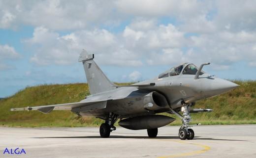 Le Rafale 12F-13