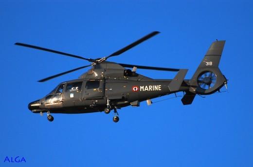 Dauphin de la 35F: le sauveteur des pilotes s'ils viennent à se retrouver dans l'eau