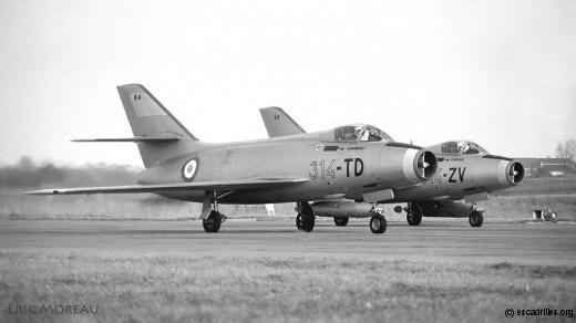 Deux Mystère du 5e EIV alignés pour un décollage PD, ici en 1971